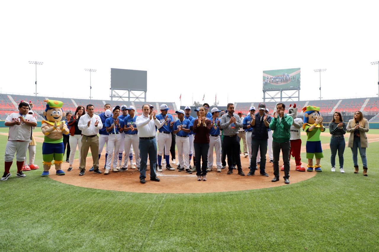 """5e38485988315485252433 - Ciudad de México.- Jefa de Gobierno  premia a ganadores de sóftbol y béisbol de Olimpiadas Comunitarias, en el Estadio """"Alfredo Harp Helú"""""""
