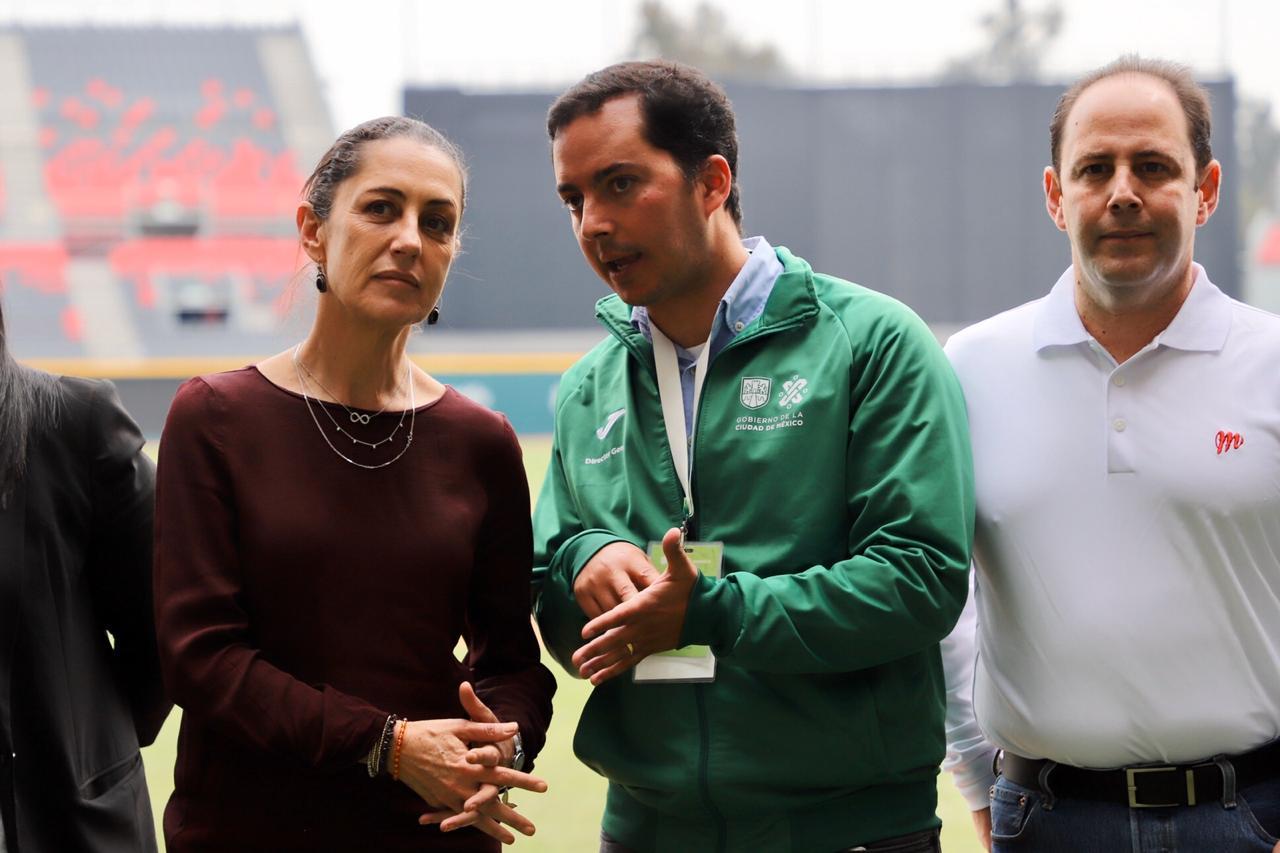 """5e3848793f5a5332481592 - Ciudad de México.- Jefa de Gobierno  premia a ganadores de sóftbol y béisbol de Olimpiadas Comunitarias, en el Estadio """"Alfredo Harp Helú"""""""